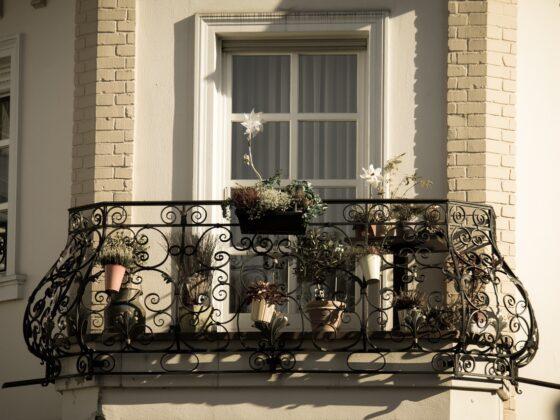 Jakie firany wybrać na balkon? Poznaj 3 najważniejsze zasady 10