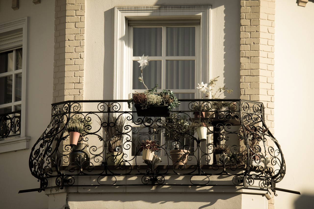 Jakie firany wybrać na balkon? Poznaj 3 najważniejsze zasady 1