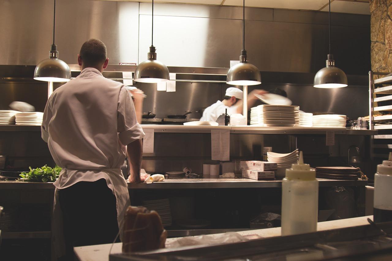 Restauracja dobrze wyposażona 22