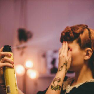 Wady i zalety lakieru do włosów - używać czy nie? 15
