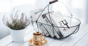 Trendy w nowoczesnych stolikach kawowych