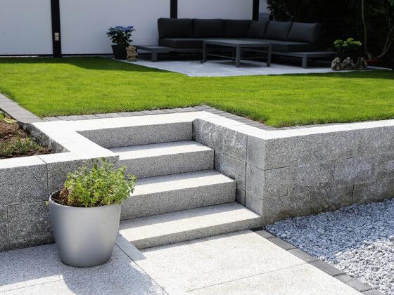 Schody granitowe do ogrodu 2