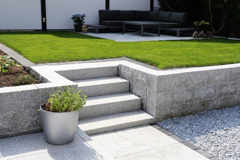 Schody granitowe do ogrodu 1