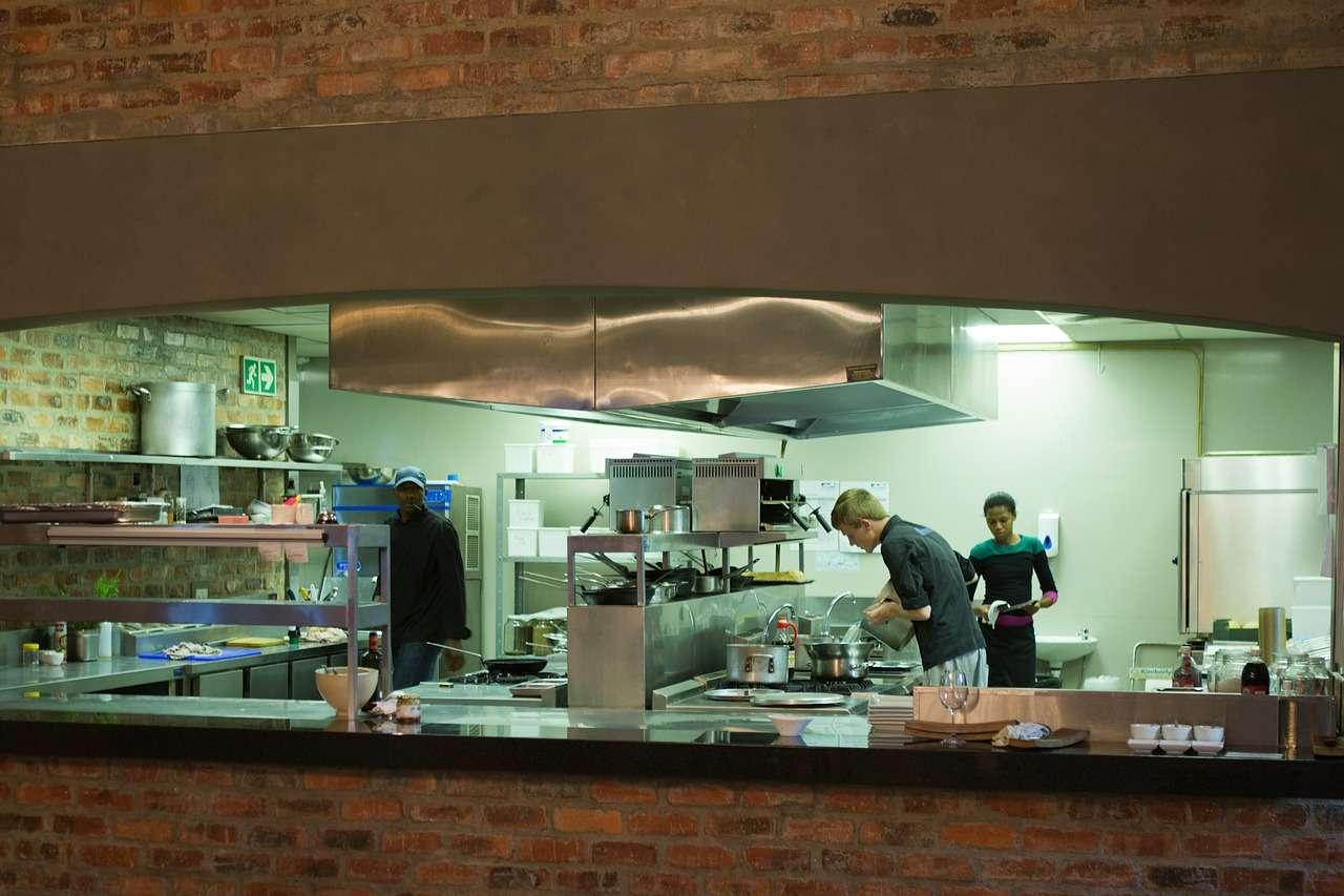 Biała kuchnia – styl skandynawski dalej na TOP-ie? 16