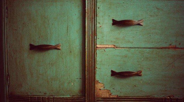 Uszkodzenia mebli – co warto wiedzieć?