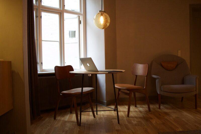 Krzesła skandynawskie gwarancją zachwycającej stylizacji każdego pomieszczenia 1