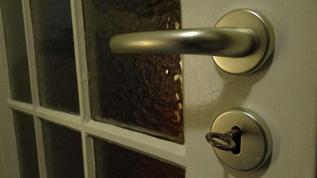 Drzwi przesuwane - Dolne prowadzenie 1