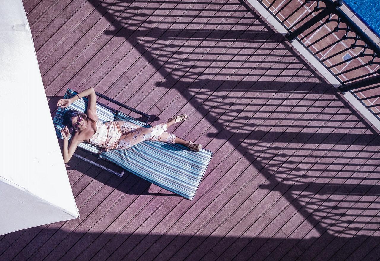 Leżaki ogrodowe, łóżka, leżanki… Jakie meble ogrodowe najlepiej nadają się do odpoczynku w ogrodzie? 16