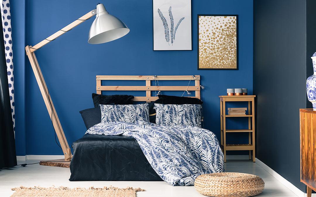 kolory w sypialni niebieski
