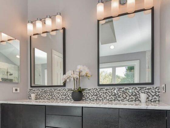 Jak wybrać lustro do nowoczesnej łazienki? Kilka prostych trików, by powiększyć łazienkę 9