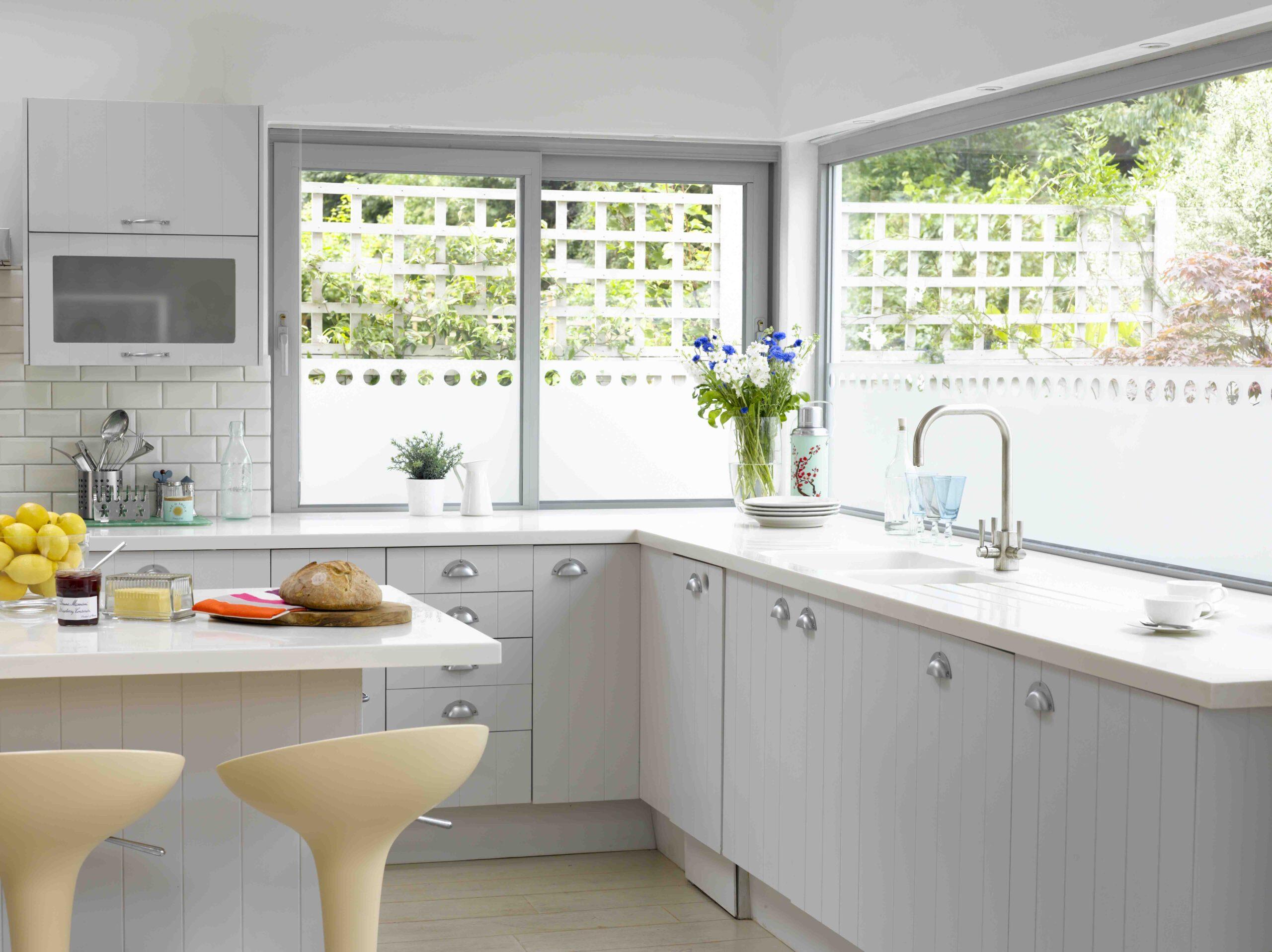 modne okna narożne w kuchni