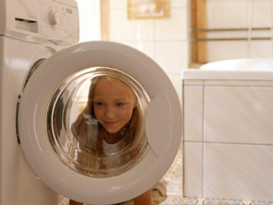 Pralka do małej łazienki - jaki rodzaj i model wybrać? 1
