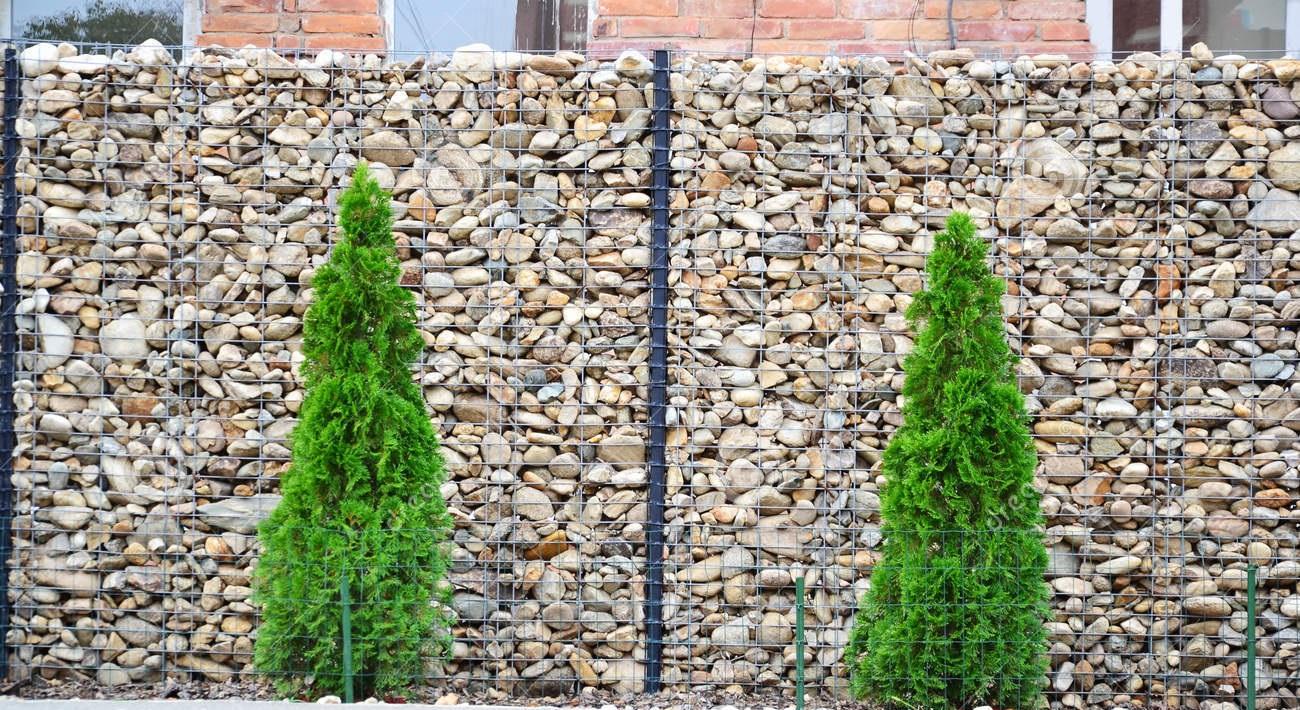 przykład ogrodzenia gabionowego