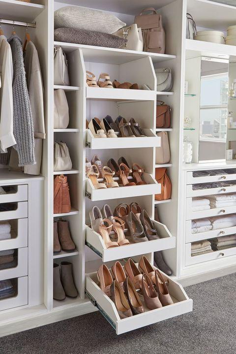 szafa na wymiar z półkami na buty