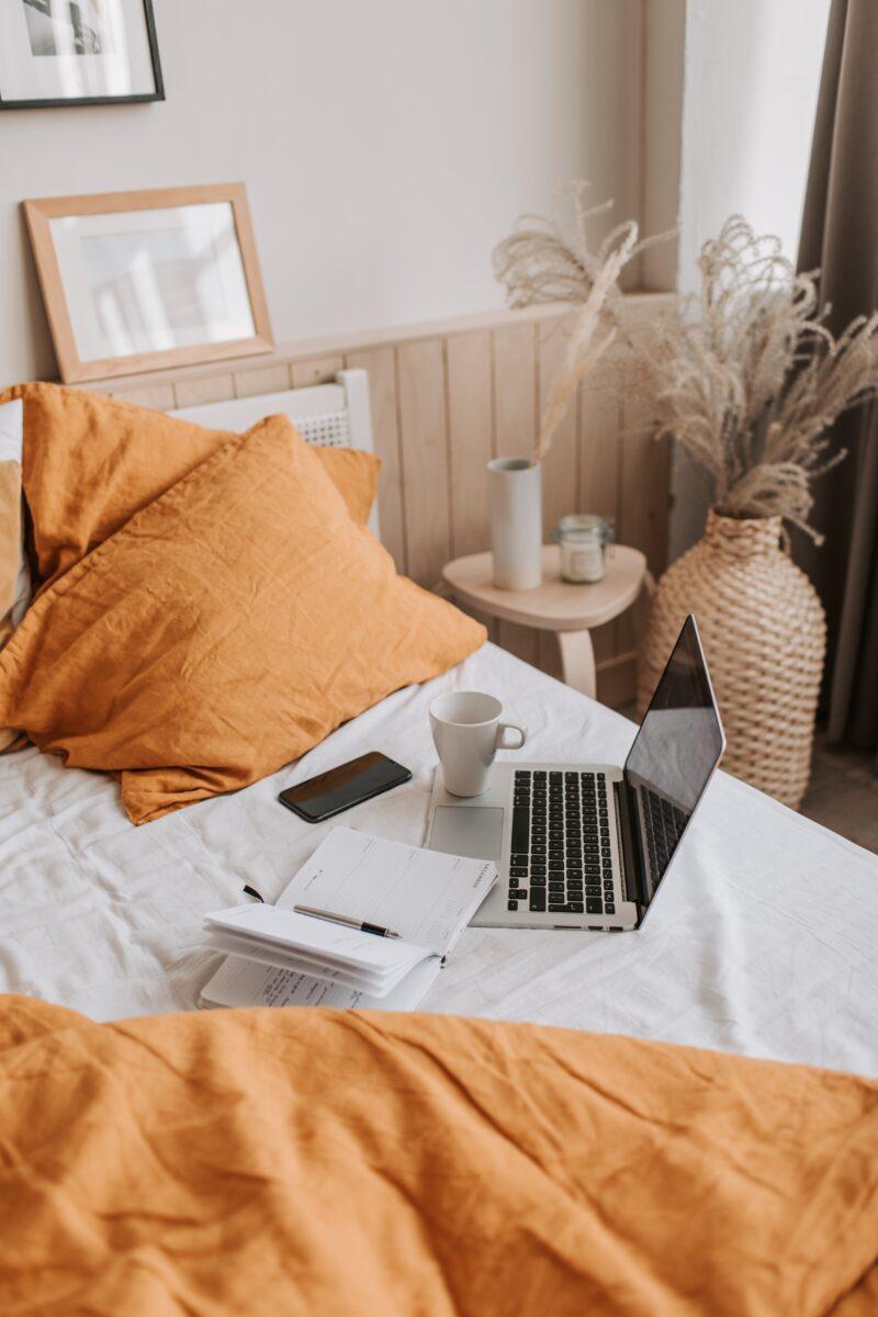 Telefon, Internet i telewizja na jednym rachunku – jakie pakiety usług wziąć pod uwagę? 1