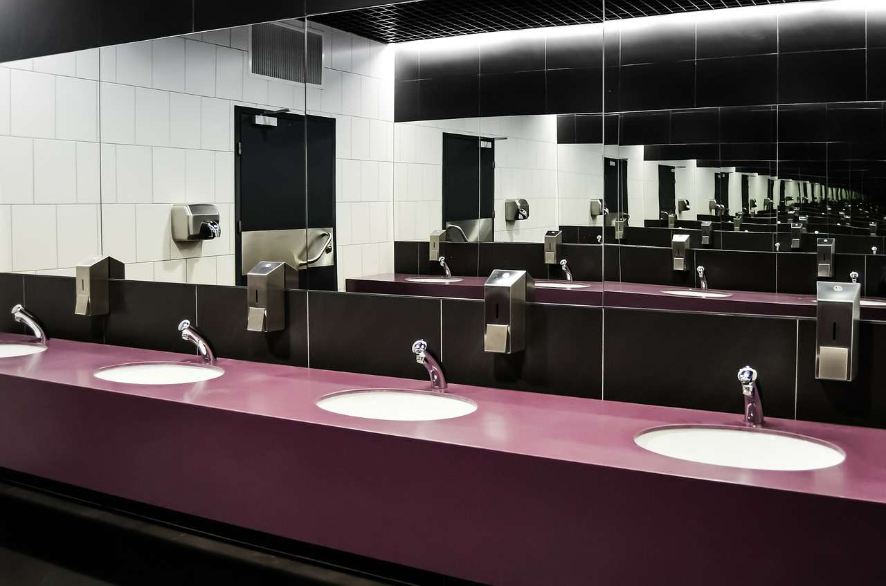 Decoupage – łazienkowe lakierowanie i poprawa błędów 1